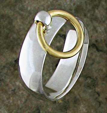 gold-shackle-O-ring